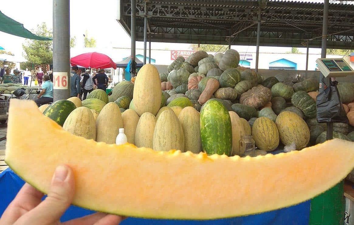 tashkent uzbekistan chorsu melon