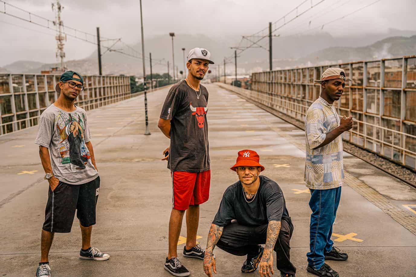 favelas rio de janeiro brazil break dancers