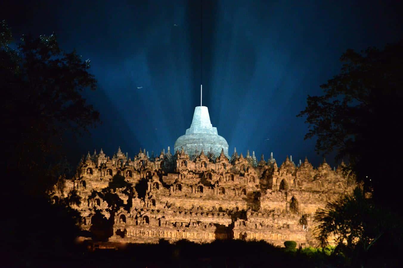 borobodur indonesia big stupa light