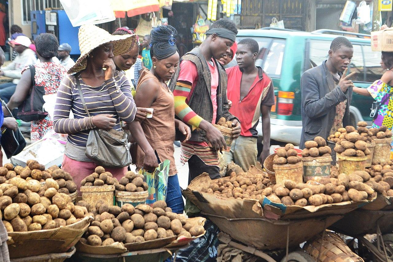 douala cameroon marche central potatoes