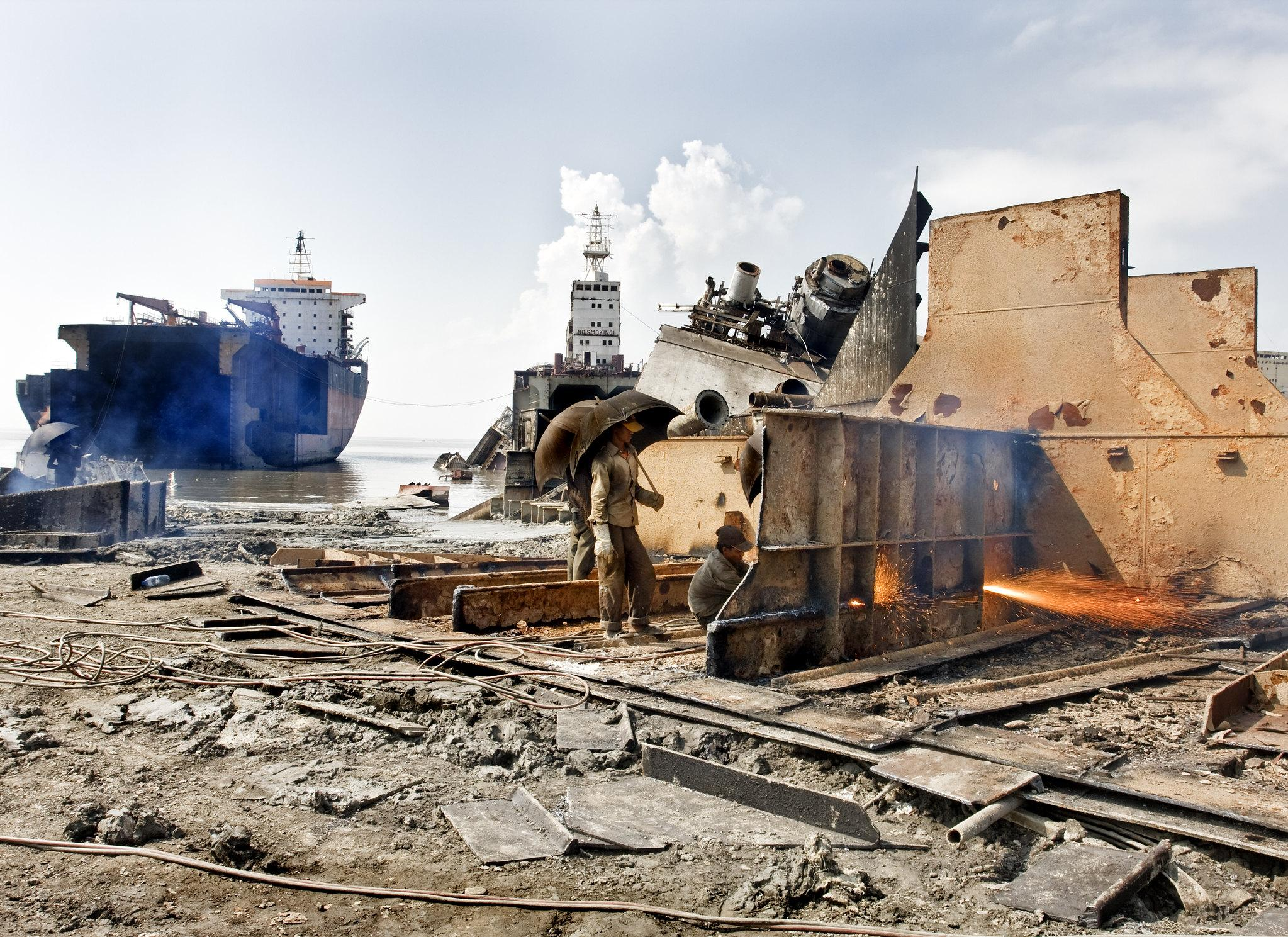 chittagong bangladesh ship breaking yard
