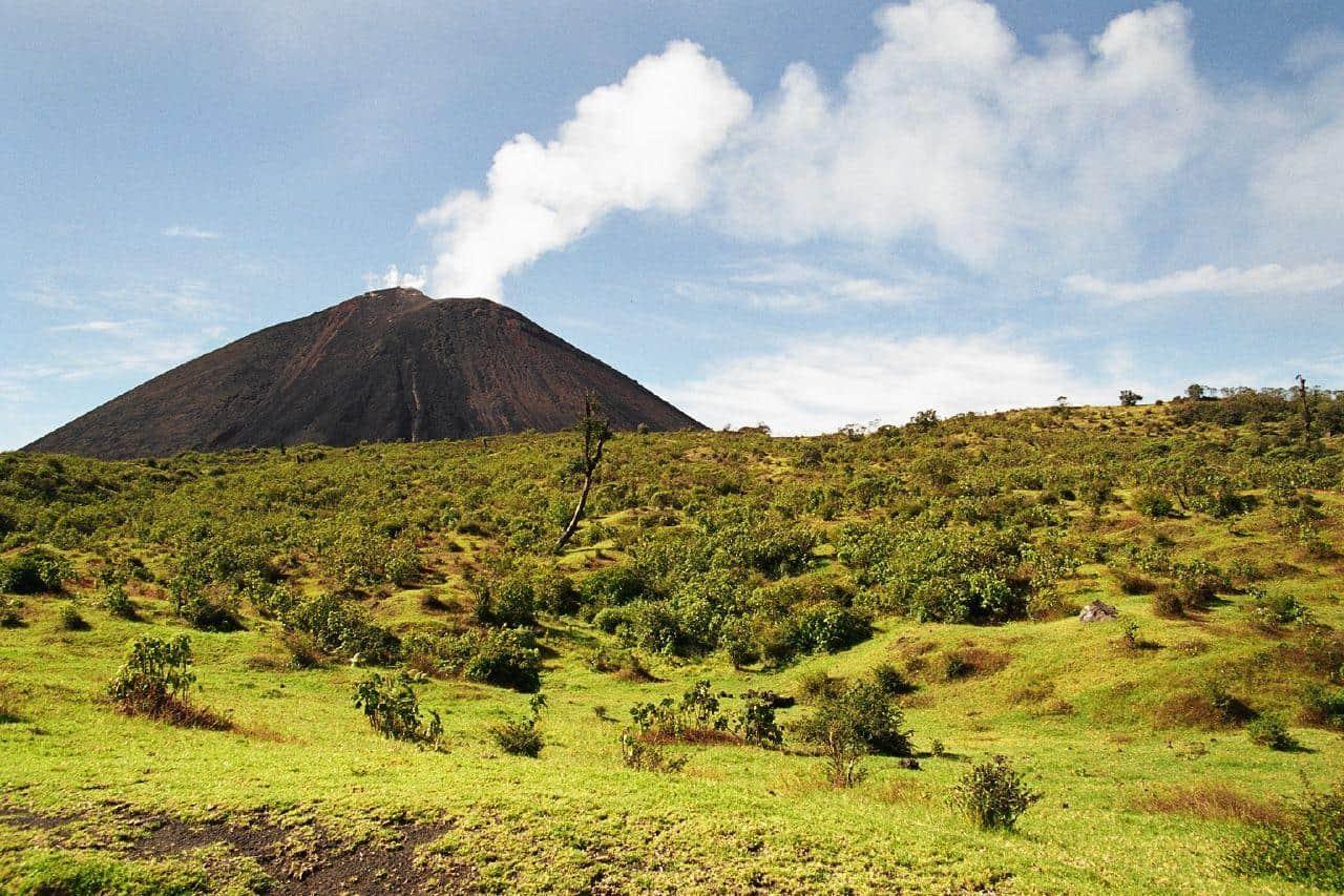 pacaya guatemala green landscape