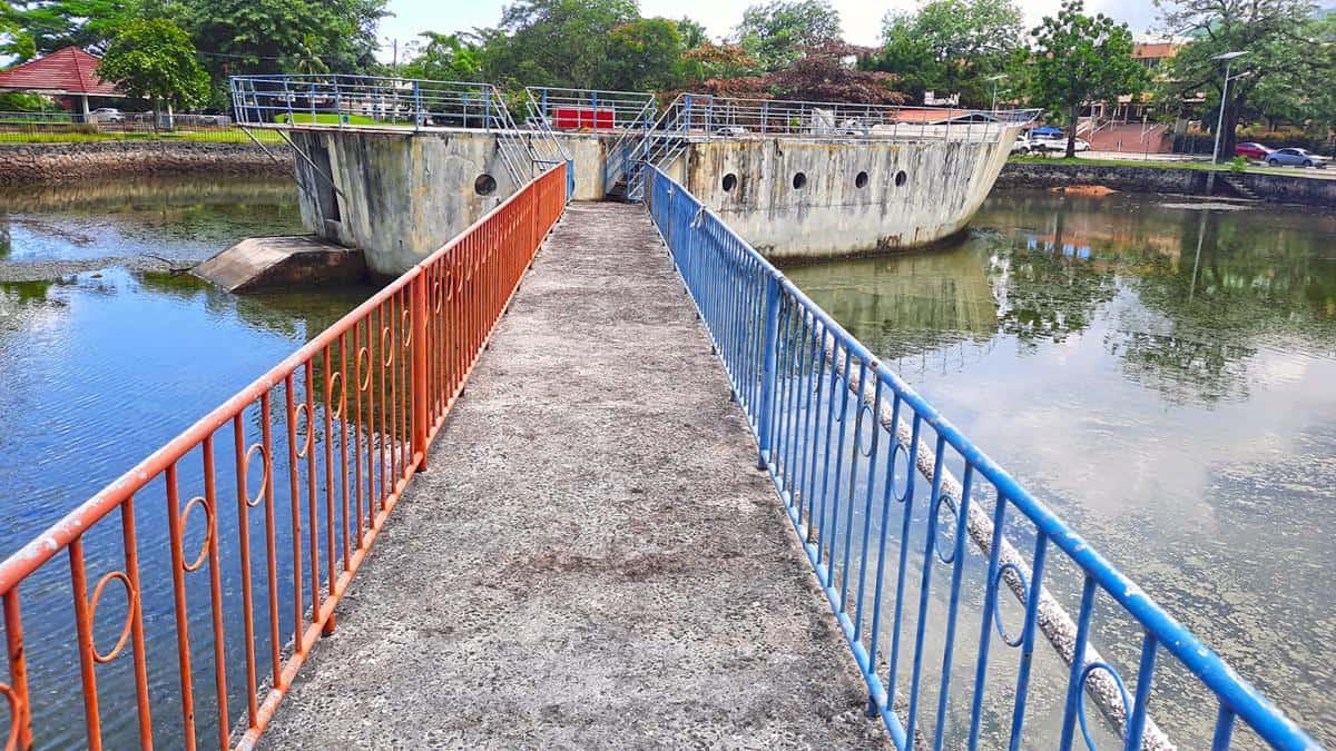 jardin des enfants victoria seychelles bridge