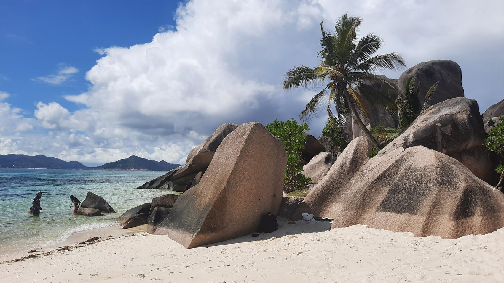 la digue seychelles anse source d argent rocks