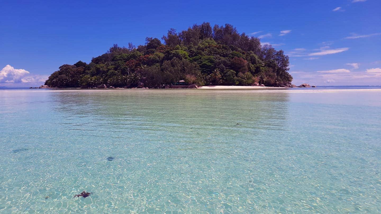 moyenne island seychelles from boat