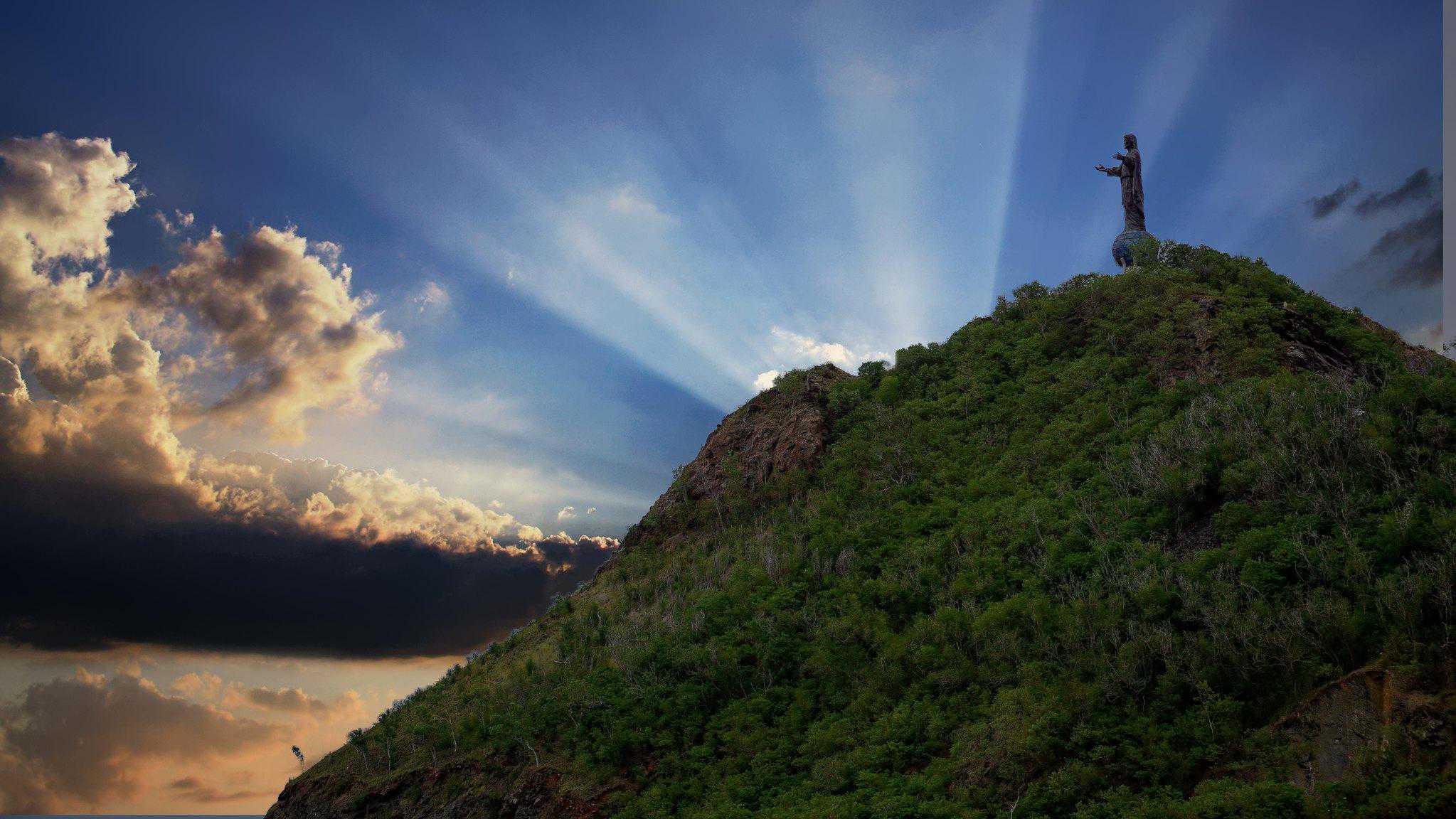 timor leste dili cristo rey statue
