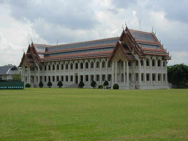 bangkok thailand vajiravudh college