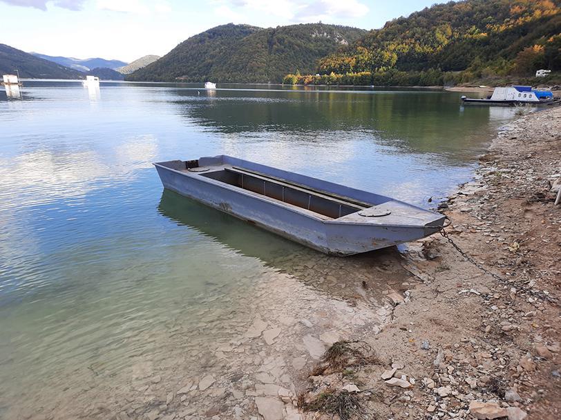 zlatar lake serbia boat