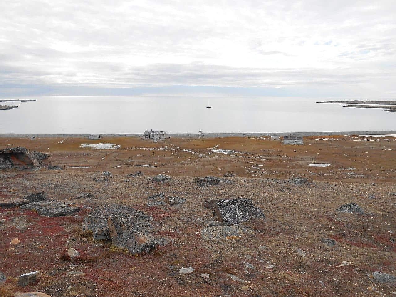 devon Island canada dundas harbour